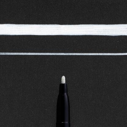 Sakura Pen-Touch Fine White