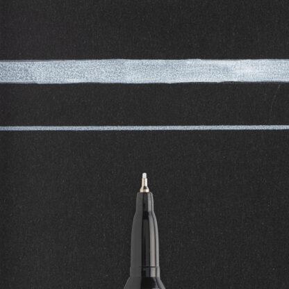 Sakura Pen-Touch Weiss Extra Fein